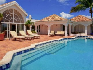 Villa Alizes 3 Bedroom (Beautiful Villa Alizes Enjoys A Stunning View Over The