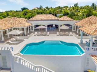 Villa La Bella Casa 8 Bedroom GREAT REVIEWS Fully Serviced Book Now and Save