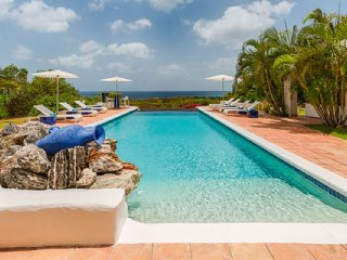 Villa La Pergola 2 Bedroom GREAT REVIEWS Fully Serviced Book Now and Save