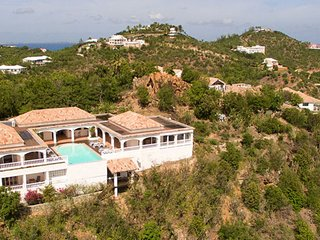 Villa Escapade 3 Bedroom GREAT REVIEWS Fully Serviced Book Now and Save