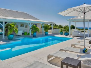Villa La Magnolia 2 Bedroom GREAT REVIEWS Fully Serviced Book Now and Save