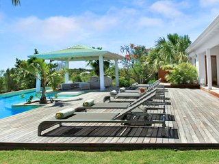 Villa Kiwi 2 Bedroom  GREAT REVIEWS Fully Serviced Book Now and Save