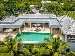 Villa Bamboo - Ocean View - Located in  Magnificent Terres Basses with Private P