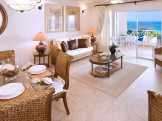 Villa Beach View 208  GREAT REVIEWS Fully Serviced Book Now and Save