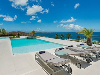 Villa Dreamin Blue | Ocean View - Located in Stunning Happy Bay with Private P