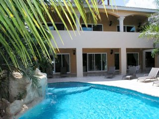Villa Hacienda Las Palmas (Spacious And Tastefully Elegant Is A Good Start To De