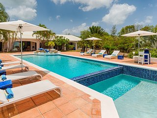 Villa La Pergola 4 Bedroom  GREAT REVIEWS Fully Serviced Book Now and Save
