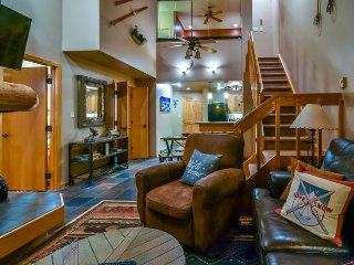 Incredible Trappeur`s Crossing 3BD/3BA Steamboat Springs vacation Condo with poo