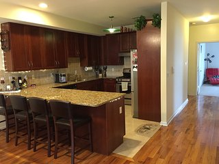 Super Clean, Big Room Next to NYC and public transport