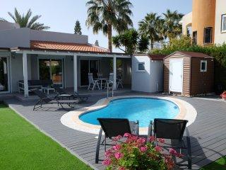 Hillside View - 2 bedroom luxury property in Coral Bay