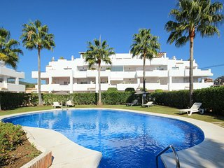 2037 - 2 bed apartment, Lunymar Golf, La Resina, Cancelada, Estepona
