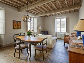 2 bedroom Apartment in Florence, Tuscany, Italy : ref 5491622