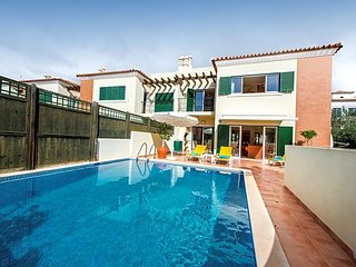 3 bedroom Villa in Santa Barbara de Nexe, Faro, Portugal : ref 5491538