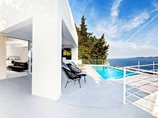 3 bedroom Villa in Kutlesa, Splitsko-Dalmatinska Zupanija, Croatia : ref 5490677