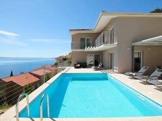 4 bedroom Villa in Zakučac, Splitsko-Dalmatinska Županija, Croatia : ref 5490676