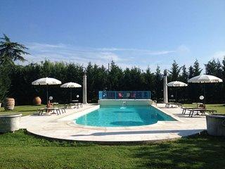 4 bedroom Villa in Arezzo, Tuscany, Italy : ref 5490571