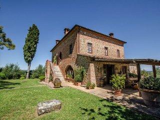 6 bedroom Villa in Torrita di Siena, Tuscany, Italy : ref 5490569