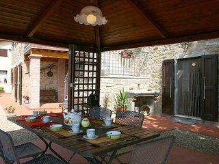 2 bedroom Villa in Loro Ciuffenna, Tuscany, Italy : ref 5490594