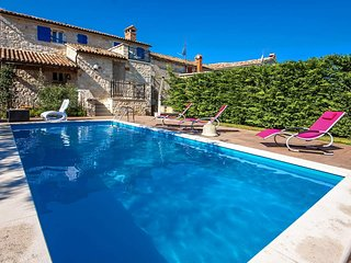 4 bedroom Villa in Veleniki, Istria, Croatia : ref 5490306