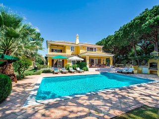4 bedroom Villa in Quinta do Lago, Faro, Portugal : ref 5490116