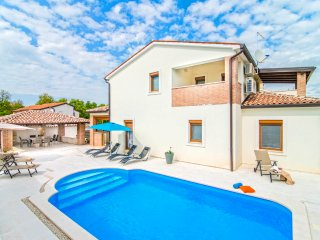 4 bedroom Villa in Vrznaveri, Istria, Croatia : ref 5489877