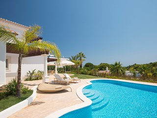 2 bedroom Villa in Alporchinhos, Faro, Portugal : ref 5502952