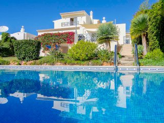 4 bedroom Villa with Pool, Air Con and WiFi - 5489687