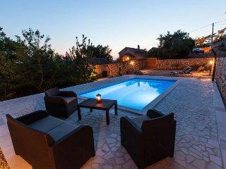 2 bedroom Villa in Grižane, Primorsko-Goranska Županija, Croatia : ref 5489677