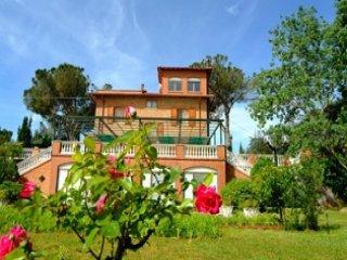 10 bedroom Villa in Castiglione del Lago, Umbria, Italy : ref 5489531