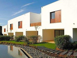 3 bedroom Villa in Olhos de Água, Faro, Portugal : ref 5489042
