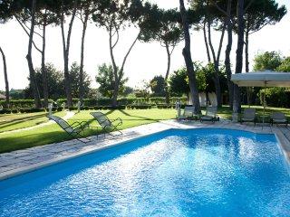 6 bedroom Villa in Rome, Latium, Italy : ref 5487926