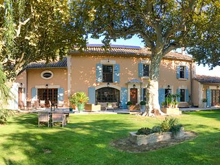 4 bedroom Villa in Noves, Provence-Alpes-Côte d'Azur, France : ref 5487292