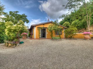 4 bedroom Villa in , Tuscany, Italy : ref 5697075