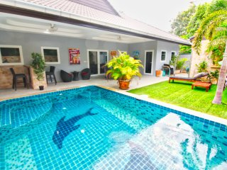 Nice Pool Villa W/bar, Pool-table & Bbq Near Beach