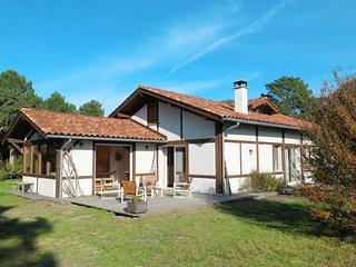 4 bedroom Villa in Vieux-Boucau-les-Bains, Nouvelle-Aquitaine, France : ref 5486