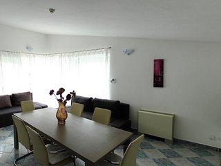 Three bedroom apartment Primosten (A-14238-e)