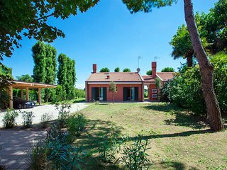 2 bedroom Villa in Cavallino, Apulia, Italy : ref 5485247