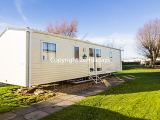 8 berth caravan at the Orchards Holiday Park. *Pets Allowed. REF 15070 PA