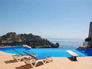 4 bedroom Apartment in Taormina, Sicily, Italy : ref 5483904