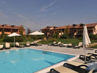 3 bedroom Apartment in Peschiera del Garda, Lombardy, Italy : ref 5483665