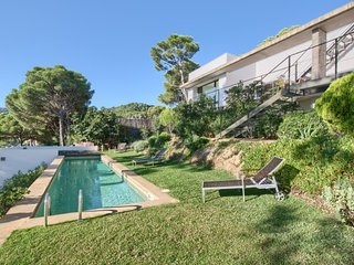 3 bedroom Villa with Pool, Air Con and WiFi - 5480621