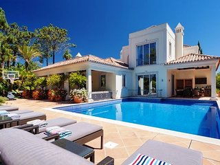 5 bedroom Villa in Quinta do Lago, Faro, Portugal : ref 5480344