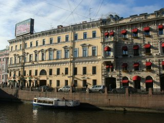 City center apartment near Palace Square in St.Petersburg