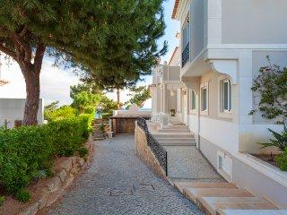 Vale do Garrao Villa Sleeps 12 with Pool Air Con and WiFi - 5480333