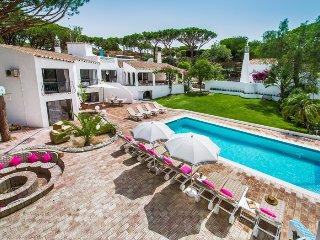 7 bedroom Villa in Vale do Garrao, Faro, Portugal - 5740573