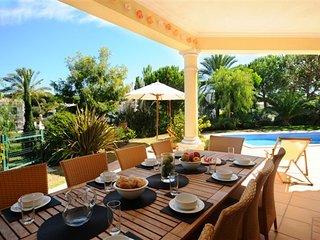 Vale do Garrao Villa Sleeps 8 with Pool Air Con and WiFi - 5480156