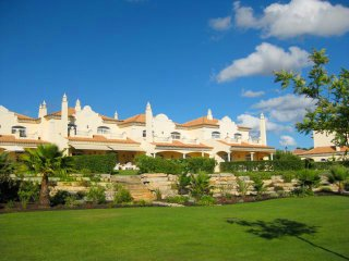 2 bedroom Villa in Quinta do Lago, Faro, Portugal : ref 5607935