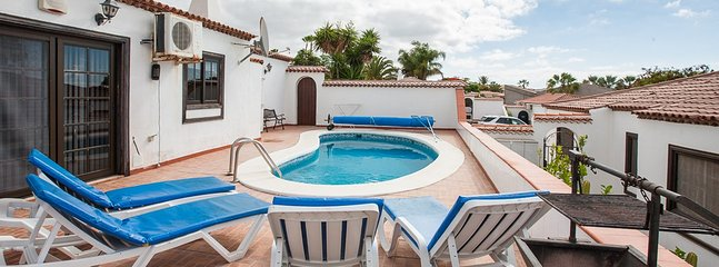 Traditional Canarian Villa with 2 bedrooms, 2 bathroom ideally located in a quie