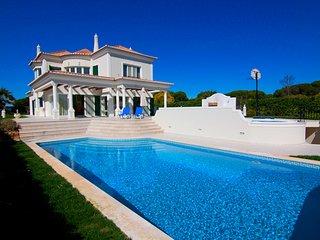4 bedroom Villa in Vale do Garrao, Faro, Portugal : ref 5480073