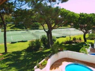 3 bedroom Villa in Vale do Lobo, Faro, Portugal : ref 5480015